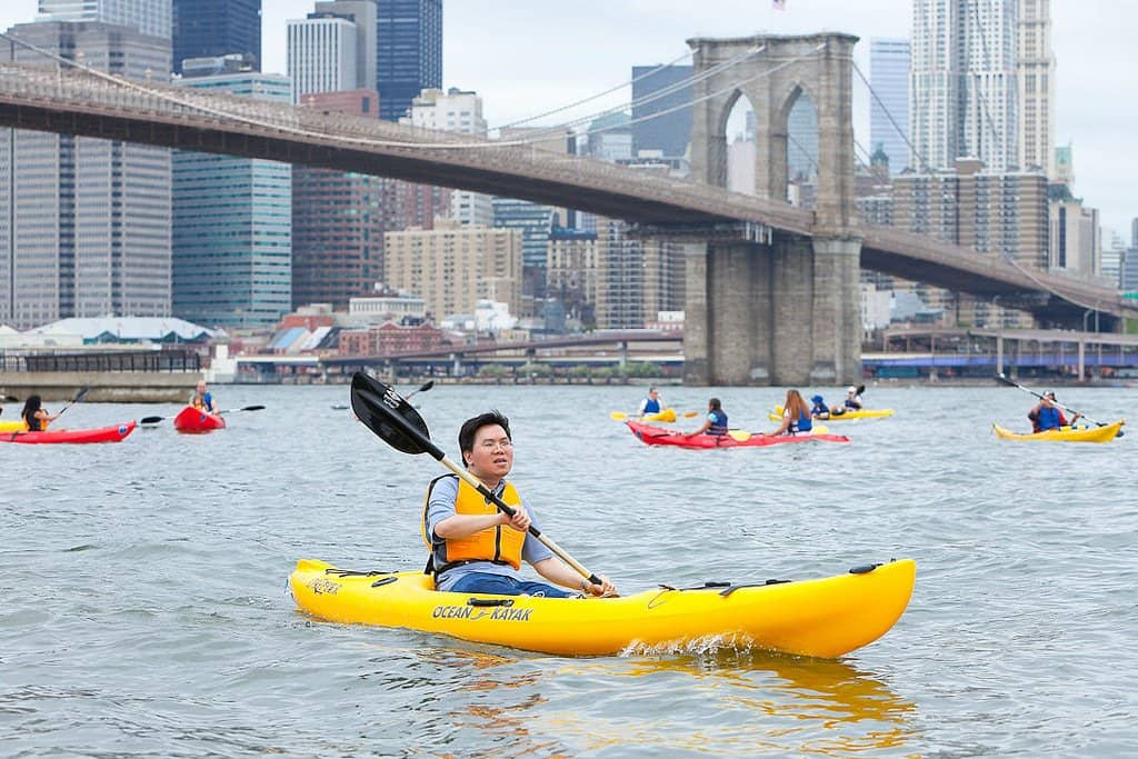 Kayak near Brooklyn Bridge.